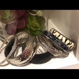 Fun Silver bangle set